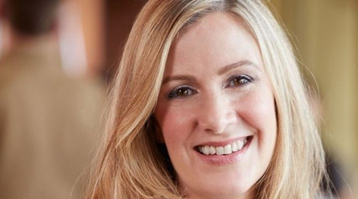 Muere Rachael Bland, la presentadora de la BBC que había narrado en un podcast su lucha contra el cáncer de seno