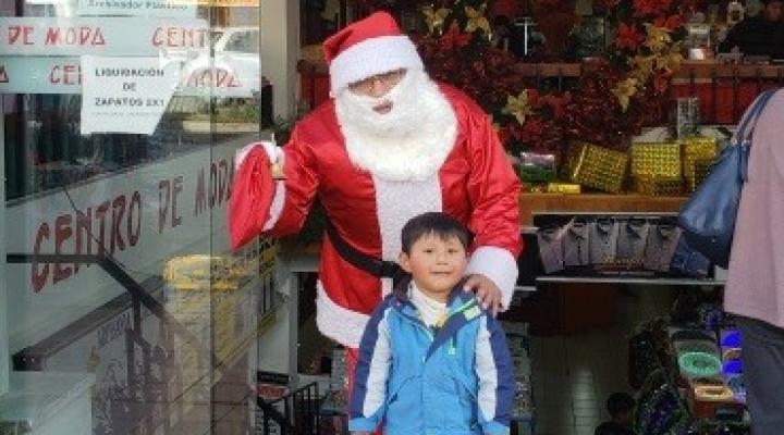 Historias de vida tras el disfraz de Papá Noel