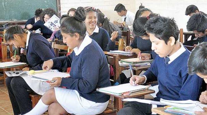 Gobierno exige que la gestión del MAS se enseñe en las escuelas