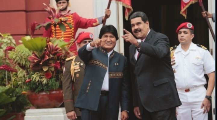"""Gobierno dice que Evo defenderá régimen de Maduro """"les guste o no le guste"""" a la derecha"""