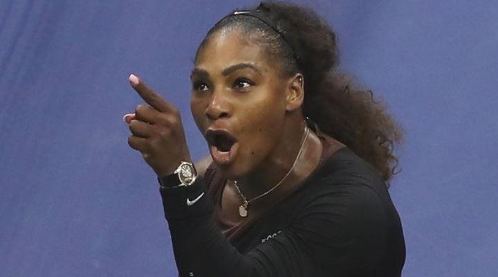 """""""Eres un ladrón y un mentiroso"""": el enfado de Serena Williams en la final del Abierto de EEUU que perdió frente a Naomi Osaka"""