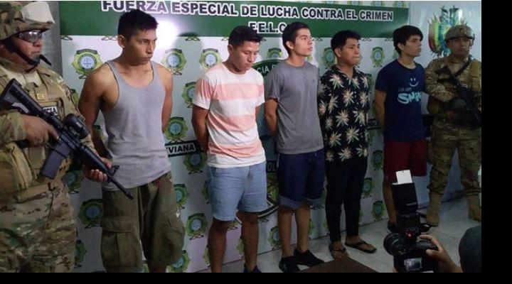 Desarticulan banda acusada de cometer 150 robos en condominios del Urubó