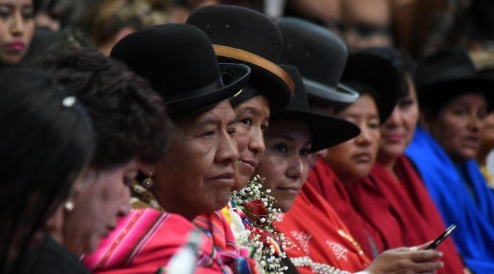 Evo lanza paquete de medidas para la mujer, entre las que destaca igualdad salarial