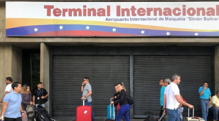 Crisis en Venezuela: Estados Unidos suspende todos los servicios aéreos entre ambos países