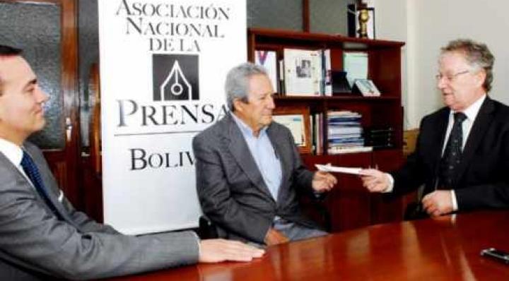 Entidades de periodistas defienden a Humberto Vacaflor, éste dice que no tiene miedo a un proceso