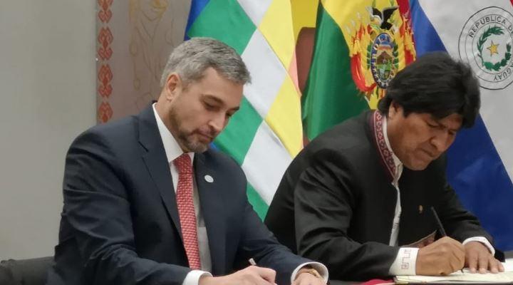 Bolivia y Paraguay suscriben 16 convenios bilaterales, además de seis acuerdos privados