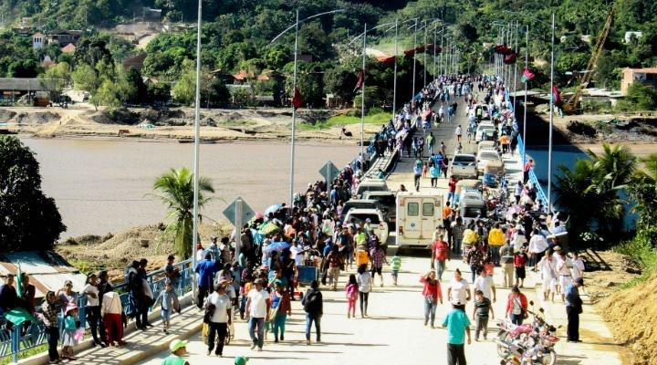 """Evo entrega puente San Buena-Rurre sin accesos completados y culpa a la """"derecha"""""""