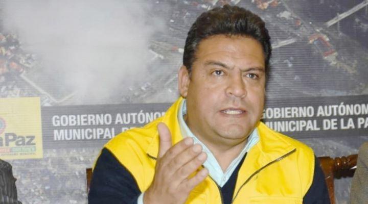 """Fiscalía acusa de 4 delitos a Revilla y éste denuncia """"campaña de odio"""" de diputadas del MAS"""
