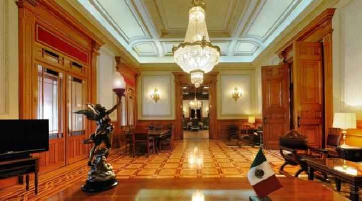 AMLO: cómo es el Palacio Nacional, el edificio más importante de México donde decidió vivir el presidente López Obrador