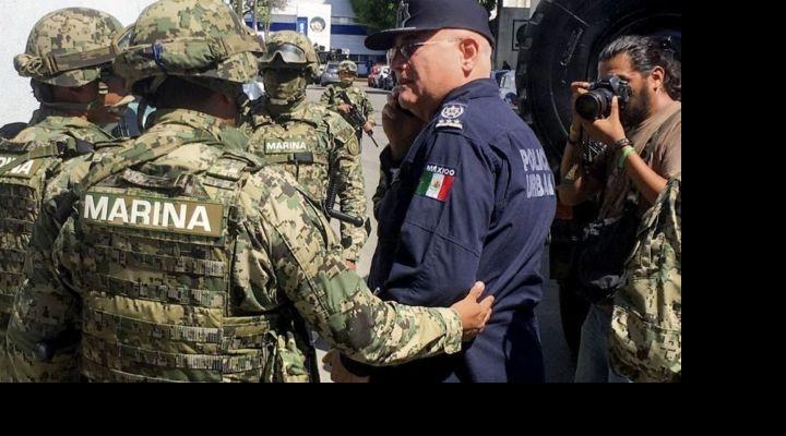México: desarman e investigan a toda la policía de Acapulco por supuestos vínculos con el narcotráfico