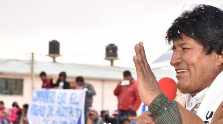 "Presidente Morales dice que por temor a críticas a veces farrea ""ocultadito"""