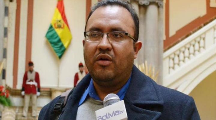 Denuncian que la DGAC falsificó documentos para autorizar vuelo de avión en el que viajó el ministro Claros