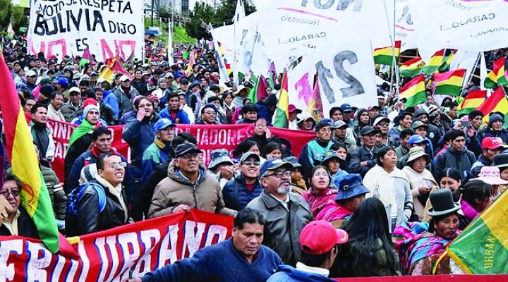 """Indignación por la detención de un joven albañil potosino que gritó """"Bolivia dijo No"""" a Evo"""