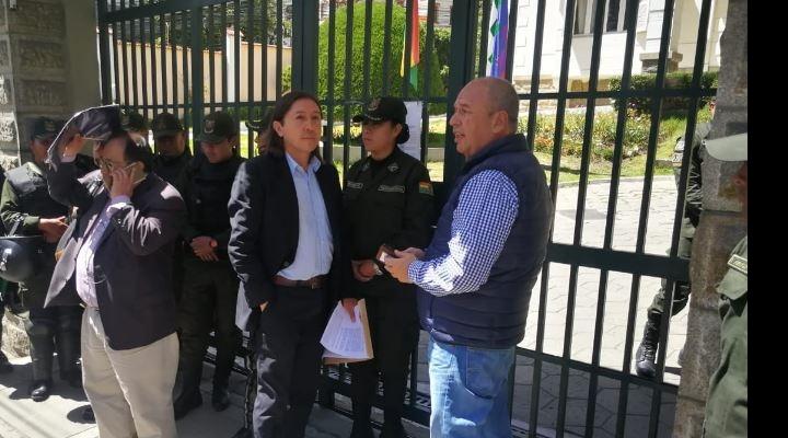 Un militante del MAS presenta impugnación contra la habilitación de Evo y Álvaro