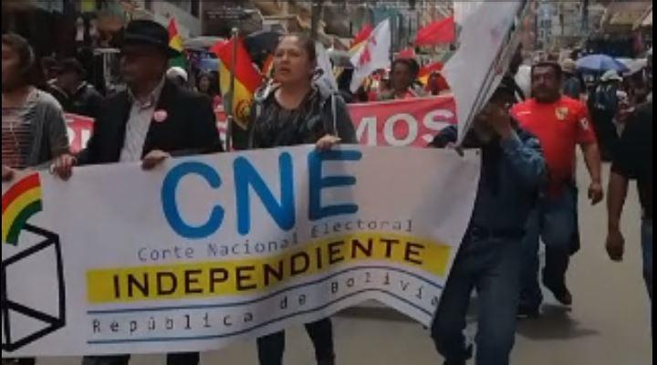Marchistas del TIPNIS y de Konani arriban a plaza Abaroa