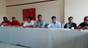 Cívicos de ocho regiones dan 72 horas al TSE para que anulen habilitación de Evo y Álvaro