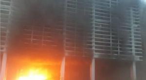 Prenden fuego al edificio del Órgano Electoral en Santa Cruz