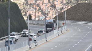 Mañana habilitarán los seis carriles de la Autopista La Paz-El Alto