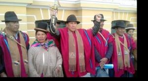 Ponchos Rojos anuncian que no permitirán ingreso de ningún partido a Omasuyos