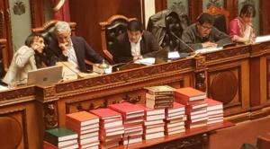 Lectura del informe de privatizaciones requerirá tres días en el Legislativo