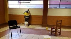 Apuran refacción de unidades educativas de La Paz a horas del inicio de clases