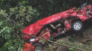"""Número de fallecidos sube a 11 por deslizamiento en Caranavi y se teme que """"siga subiendo"""""""