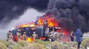 Militares queman tres camiones con contrabando en frontera con Chile