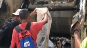 Un video en el que jóvenes comían de la basura fue la causa para la retención de periodistas de Univisión en Venezuela