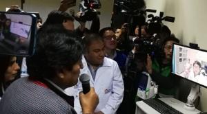 Evo inaugura seguro de salud en seis regiones y médicos preparan movilizaciones
