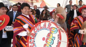 Presidente de Paraguay apoya a Bolivia como subsede para el Mundial de Fútbol 2030