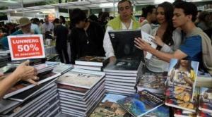 Los bolivianos gastan en cultura, educación y entretenimiento 16 veces menos que personas de otros países