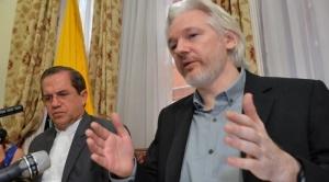 Expectativa y confusión por posible expulsión de Assange de la embajada de Ecuador en Londres