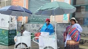 Vendedores ambulantes, los trabajadores que no descansan ni en su día