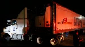 Lo que dice de México el escándalo del tráiler itinerante con más de 150 cadáveres que apareció en Jalisco