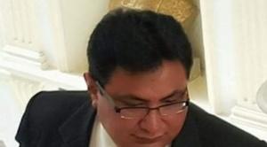 Barral es imputado por tres presuntos delitos, UN lo deja solo y el MAS pide su renuncia