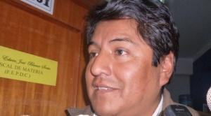 Exalcalde Patana es trasladado a Patacamaya por presunta venta de celdas en San Pedro