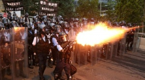 "Protestas en Hong Kong: 5 claves para entender la ""mayor movilización"" popular en la excolonia británica contra la ley de extradición a China"