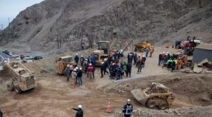 Rescatan a un minero en Chile, otro falleció y un tercero es buscado 1