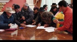 Asamblea de la Paceñidad declara persona no grata a alcalde de Achocalla