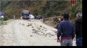 Cocaleros iniciaron bloqueo de carretera a Chulumani y que lo harán también hacia Caranavi 1