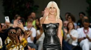 Michael Kors compra Versace por US$2.120 millones: ¿qué buscan las marcas de moda de EE.UU. en las legendarias casas europeas?