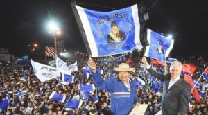 Evo echa flores a empresarios y cree que más de cuatro millones de bolivianos votarán por él