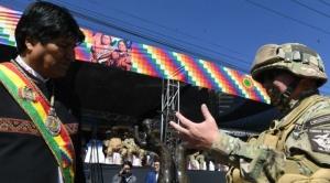 """Comandante de las FFAA apoya el """"proceso de cambio"""" y a opositores les dice """"antipatrias"""""""