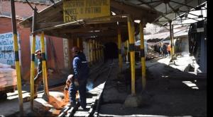 """El robo de mineral se """"triplica"""" en Huanuni, el ministro Navarro dice que está controlado"""