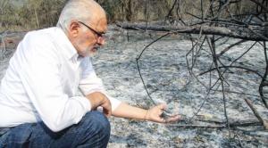 """Mesa fue a Roboré y acusa al gobierno de haber reaccionado """"tarde y mal"""" para enfrentar el incendio"""