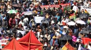 Masiva marcha respalda la gestión del alcalde Luis Revilla