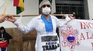 Médicos ingresan al día 17 de paro indefinido, ministra Montaño convoca al diálogo en Cochabamba