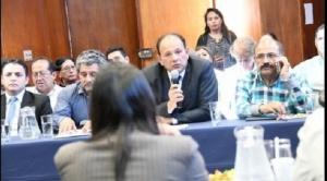 Sirmes inicia en La Paz un primer piquete de huelga de hambre