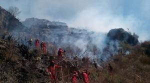 Incendios continúan en varias regiones del país, sectores anuncian marchas y exigen declaratoria de desastre nacional 1