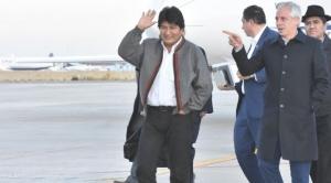 """El presidente Morales retorna al país y afirma que el fallo de la CIJ """"ha sido injusto"""""""